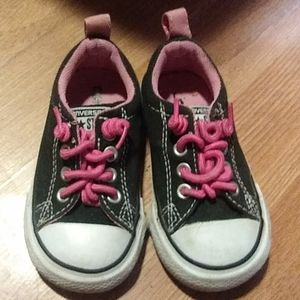 Toddler black and pink converse 5